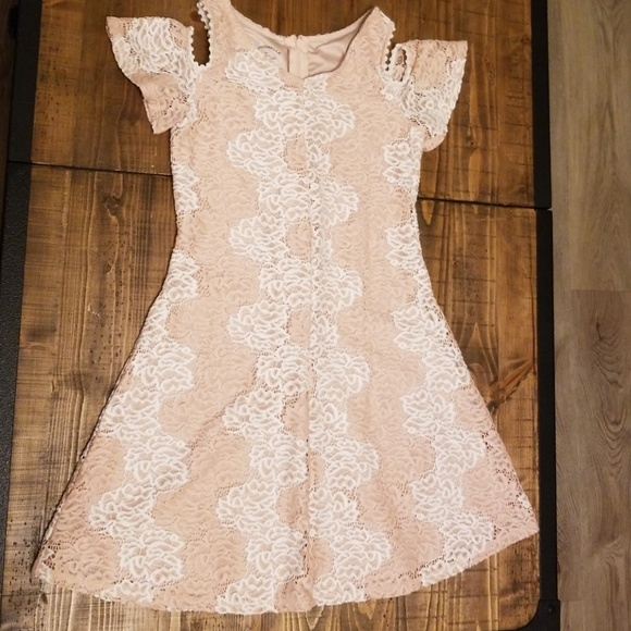 6beb6b165e67 Pippa & Julie Dresses | Pastourelle Pink White Lace Cold Shoulder ...